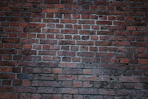 320px-Weathered bricks near the Albert Dock 1.jpg